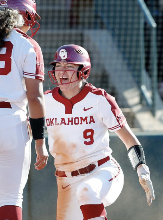 NCAA Catcher Kinzie Hansen Univ of Oklahoma